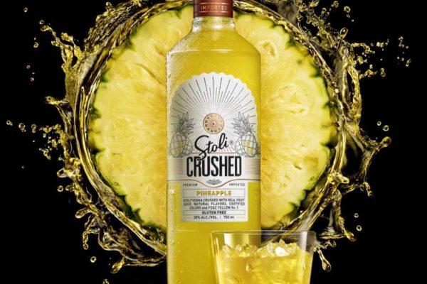 Pineapple-Bottle-Splash-creative